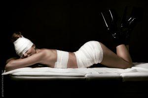 Gratia plena domina mistress erotic bende sexy art girl medical clinical tacchi alti fetish bdsm