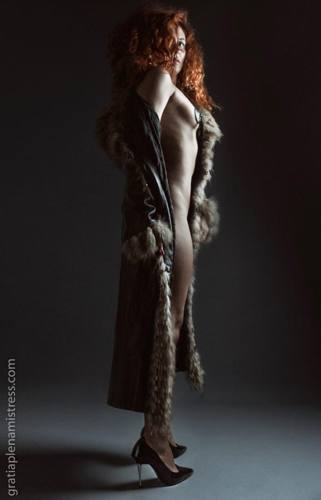 Gratia plena mistress dominatrice sadomaso domina model sexy slave schiavo padrona