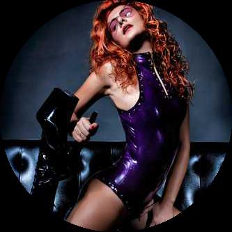 gratia plena mistress dominatrice prodomme dominatrix fetish feticismo piedi venerazione latex bdsm sadomaso padrona milano italia lombardia instagram
